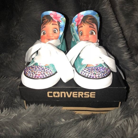 2a6381fe85f3 Custom Moana Converse BLING You choose color 👟